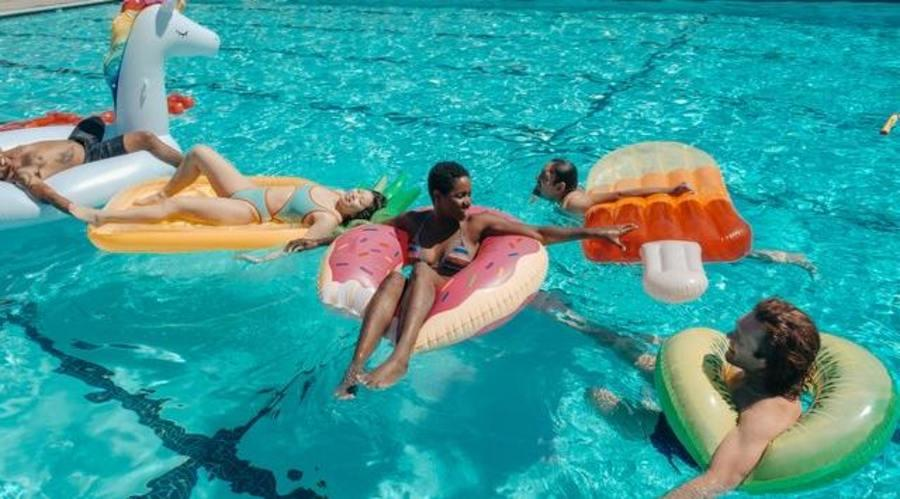 Can Lice Spread in Swimming Pools?
